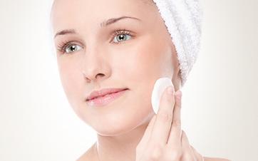 Comece higienizando a pele