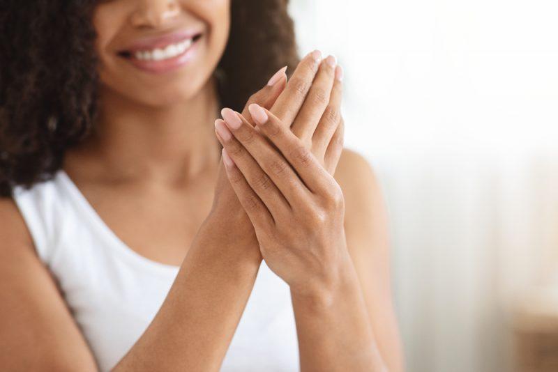 Tratamento anti-idade para lábios, mãos e pescoço | ADCOS