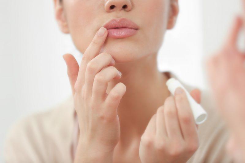 Como hidratar os lábios e mantê-los jovens? | ADCOS