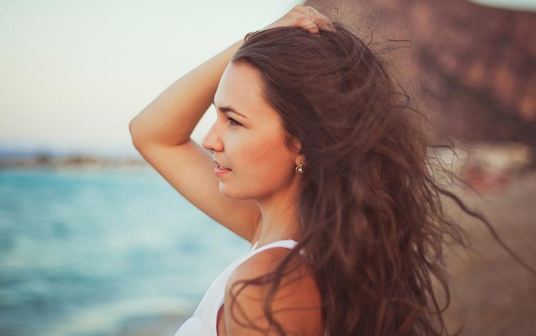 Cuidados especiais com o cabelo no verão