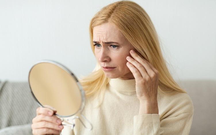 Hábitos que aceleram a perda do colágeno na pele - Beleza com Saúde