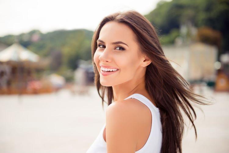 Protetor solar com cor: descubra o ideal para sua pele