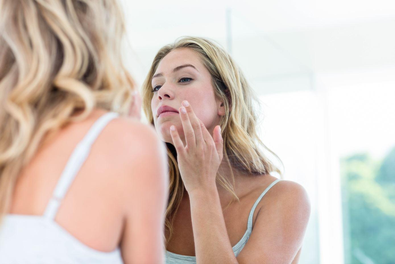 Acne: conheça as principais causas e saiba como evitar